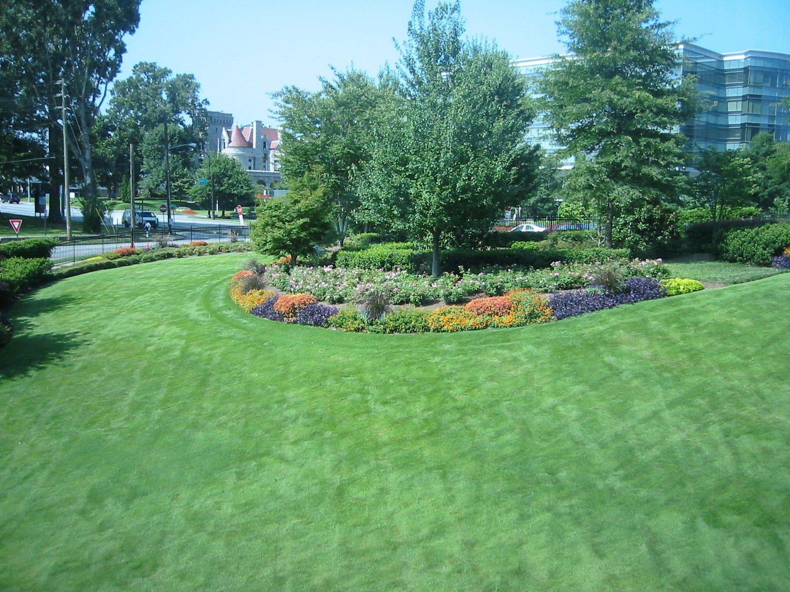 Commercial landscape maintenance full service landscape for Commercial landscape maintenance