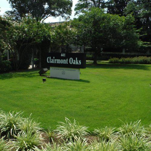 Clairmont Oaks Commercial Landscape installation
